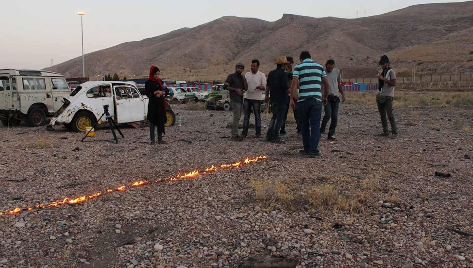 آ...در سرزمین بایر عکس 13- شرکت فیلم سازی زوم شیراز برادران شریفی
