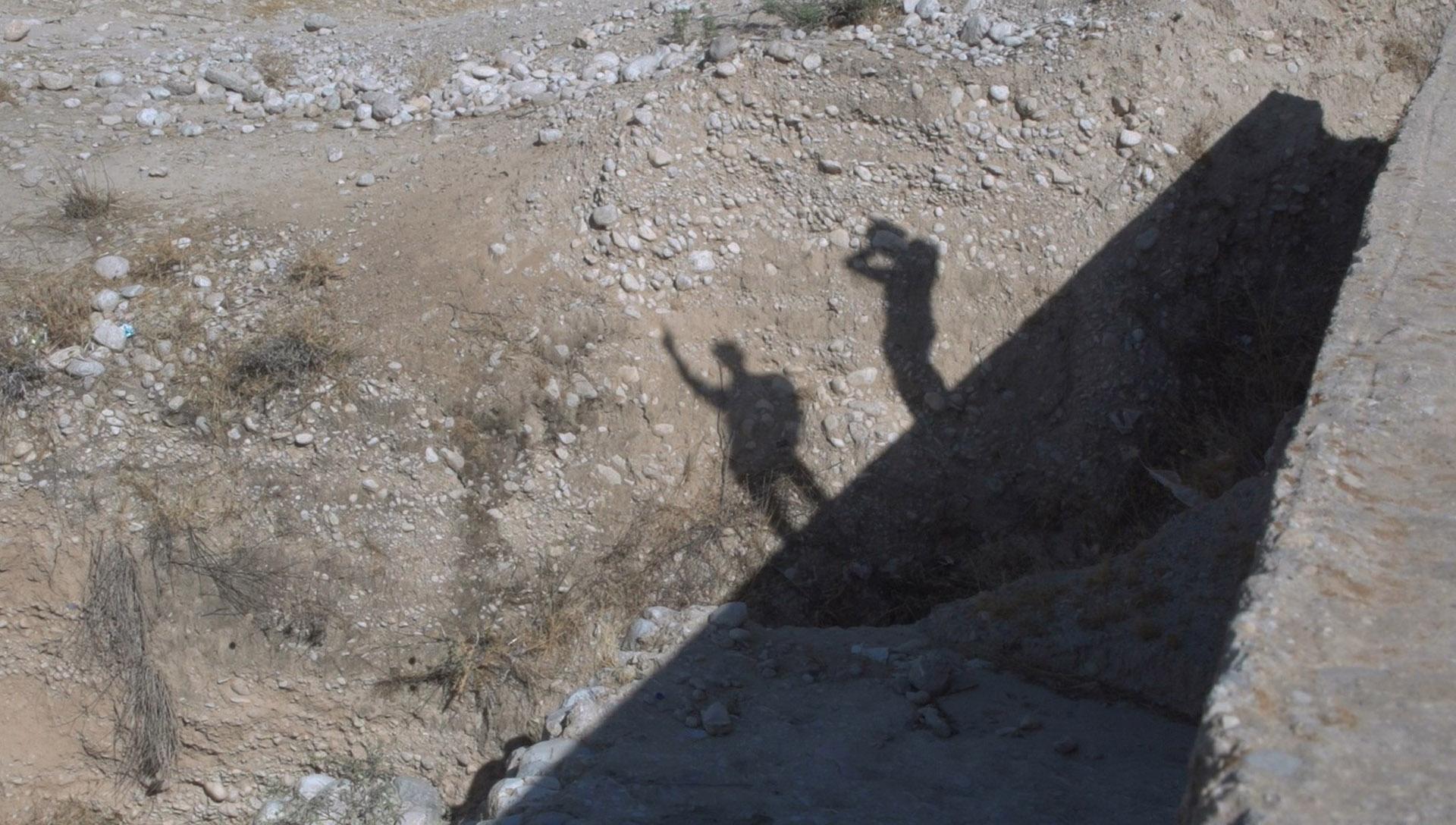 عکس از مستند سیاه زخم 04